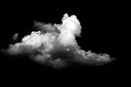 黒い背景に孤立した雲