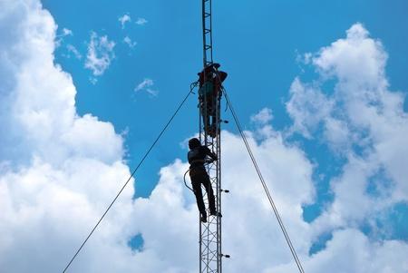 Worker install cellular antenna