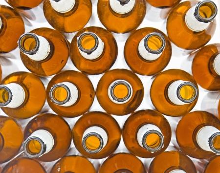 Felülnézeti sörösüvegekkel