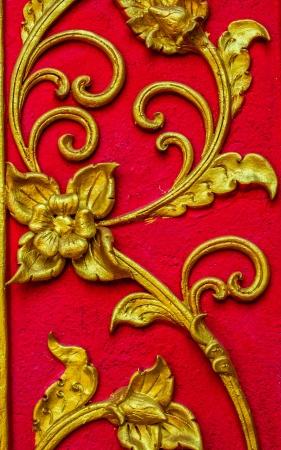 thai motifs: Thai art motifs carved into shape at temple