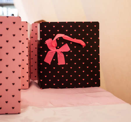 Pink bow heart gift bag