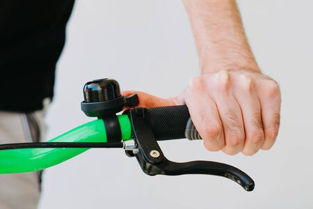 Checking the adjustment of the brake handle of the green fix bike