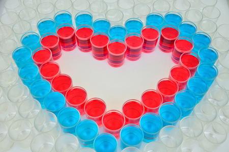 bebes lindos: patrón de corazón por la bebida taza tiro para el día de San Valentín