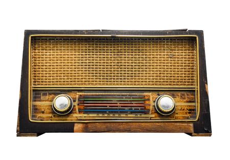 tracciato di ritaglio, vecchio ricevitore radio in legno retrò isolato su sfondo bianco