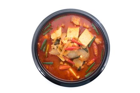 kimchi stew, kimchi chigae, korean cuisine, kimchi soup isolate on white background Banco de Imagens