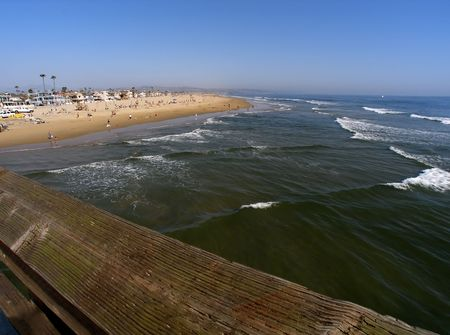 wide angle view of shore and ocean in broad daylight
