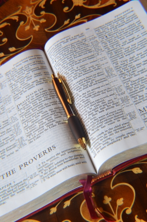 redemption of the world: Holy Bible memo pad and pen