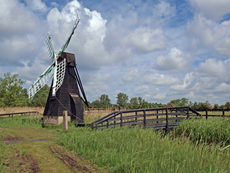In the 17th century many thousand wind driven drainage pumps like this one at Wicken were used to drain the fens. This is the last one to survive, they were replased by steam driven pumps in the 19th century.