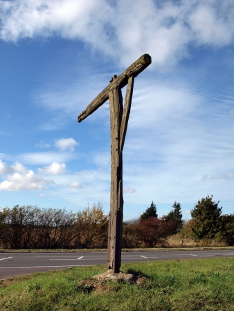 Unlike gallows which were used to execute people, gibbets were used to display the body as a warning to others. Caxton gibbet is on a small knoll on Ermine Street near Caxton in Cambridgeshire. It was first used in the 1670�s. The last recorded use was 17 Stock Photo - 16039713
