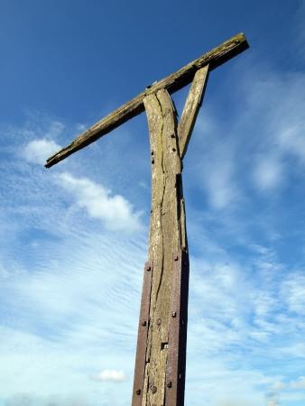 gronostaj: W przeciwieństwie do szubienicy, które zostały wykorzystane do wykonania ludziom, gibbets były używane do wyświetlania ciało jako ostrzeżenie dla innych. Szubienica Caxton jest na niewielkim pagórku na łasiczką ulicy w pobliżu Caxton w Cambridgeshire. Po raz pierwszy użyte w 1670s. Zastosowanie był ostatni nagrany 17 Zdjęcie Seryjne
