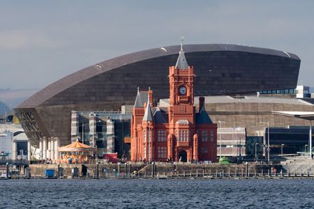 Pierhead Building and Wales Millenium Centre in Cardiff. Grade I listed building of the National Assembly for Wales in Cardiff Bay, Wales, UK Imagens