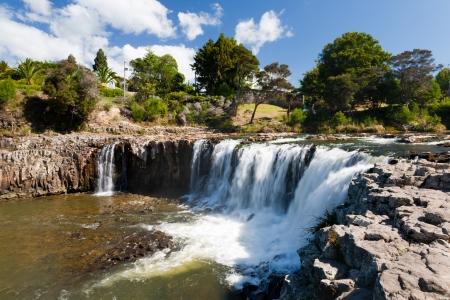 近くパイヒア ノースランド、ニュージーランド、ハルル滝