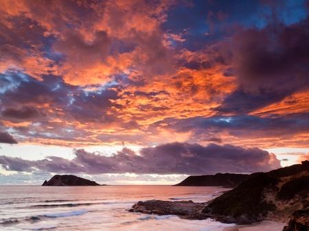 ウォルポール西オーストラリアの近くのマンダレー ビーチに沈む夕日 写真素材