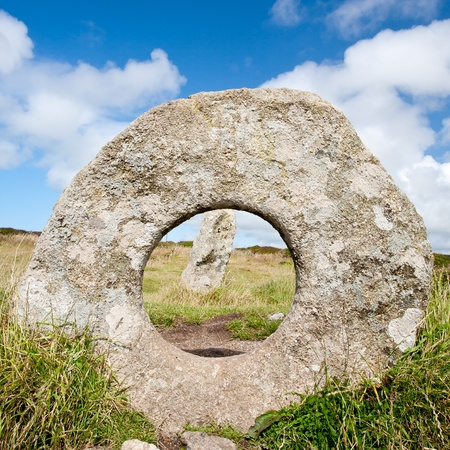 monolith: The Men-an-tol standing stones Penwith Moor, Cornwall England Stock Photo