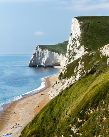 durdle: Towering white cliffs at Durdle Door Dorset England UK