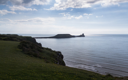 cymru: Views across Rhossili Bay to the Worms Head Headland, Wales UK Europe UK Europe