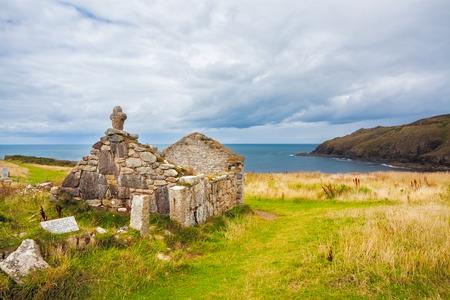 oratorio: Rovine di St Helens dell'Oratorio una struttura paleocristiana a Cape Cornwall vicino St Just Cornwall England UK Europa Archivio Fotografico