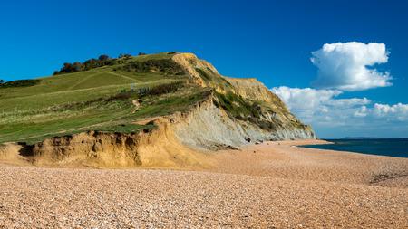 beach shingle: Spiaggia con ciotoli a Seatown nel Dorset, in Inghilterra Archivio Fotografico