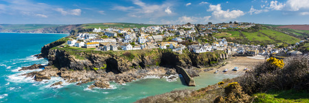 Overlooking the harbour at the pretty fishing village of Port Isaac on the North Cornwall coast, England UK Europe