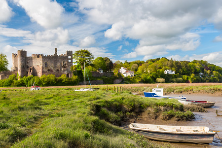 thomas stone: Estuary of the River Tâf with Laugharne Castle  in the background Carmarthenshire, Wales UK Europe Stock Photo