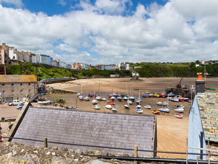 tenby wales: Overlooking Tenby Harbour in Carmarthen Bay, Pembrokeshire, South West Wales, UK Europe