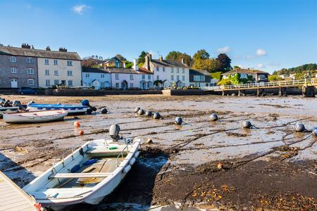 jamones: El pintoresco pueblo de Dittisham en el río Dart jamones del sur Devon Inglaterra Reino Unido Europa Foto de archivo