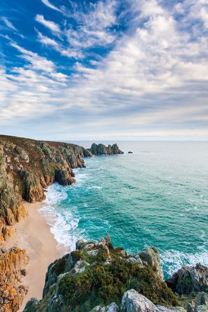 Overlooking Pedn Vounder Beach from Treen Cliffs near Porthcurno  Cornwall England UK Europe 스톡 콘텐츠