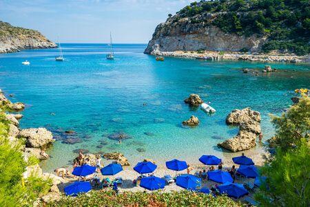 Schöner sonniger Tag an der Anthony Quinn Bay in der Nähe von Faliraki auf der Insel Rhodos Rodos Griechenland Europe