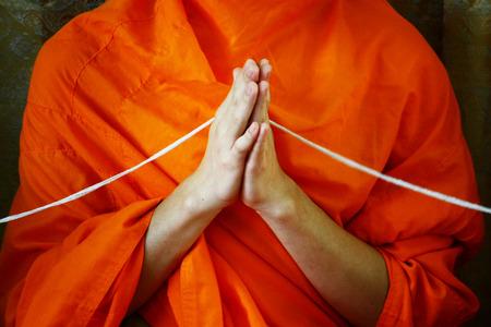 an obeisance: Buddhist monks