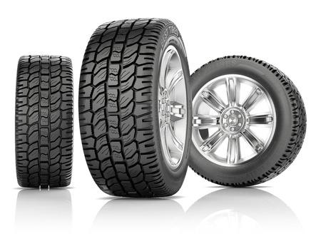 白い背景に分離した新しいタイヤと 3 つの車輪