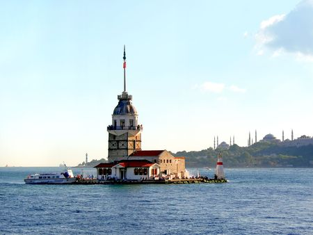 known: Leander�s Tower, well known Bosporus landmark in Istanbul Stock Photo