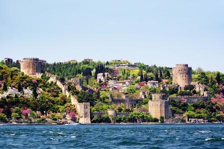 Istanbul, Rumeli Fort in het voorjaar van Stockfoto