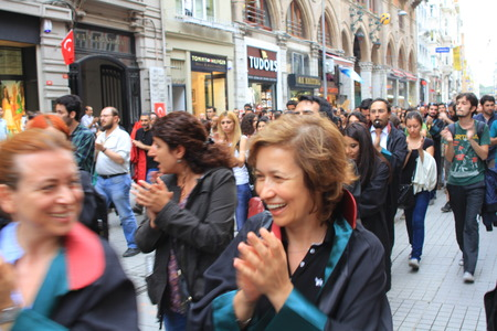 detained: ISTANBUL - JUN 12  Turkish lawyers march in support of anti-government protests at Istiklal Street on June 12, 2013 in Istanbul  They were detained yesterday by police while protesting in courthouse