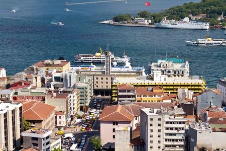 Aerial view towards Goldenhorn, looking over Karakoy Port to Bosphorus Sea Редакционное