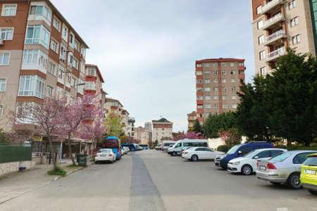 ISTANBUL - APR 19, 2020: Lockdown due to coronavirus. Streets deserted as Turkey begins weekend lockdown Редакционное