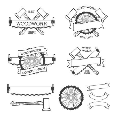 Houtwerk label set met zaag, bijl en boom ring. Affiches, postzegels, banners en ontwerpelementen. Geïsoleerd op een witte achtergrond. Houtwerk en productie label templates. Vector illustratie.