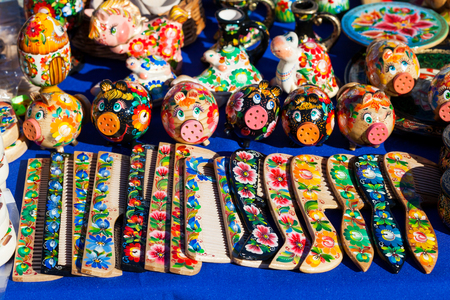 Painted wooden Handicrafts for decoration and interior