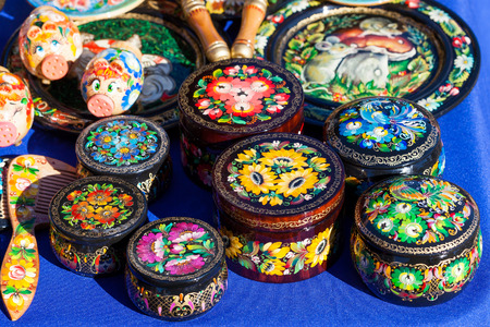 varnished: Painted wooden Handicrafts for decoration and interior