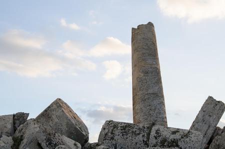 templo griego: Greek temple in Selinunte Foto de archivo