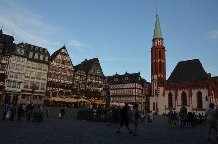 Historischer Romer-Platz in der Stadt Frankfurt Main, Deutschland Standard-Bild