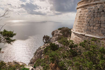 vedra: Looking out from the watchtower