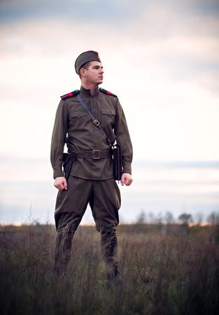 젊은 소비에트 군인 소련 국경 철도 2 차 세계 대전 재건 개념