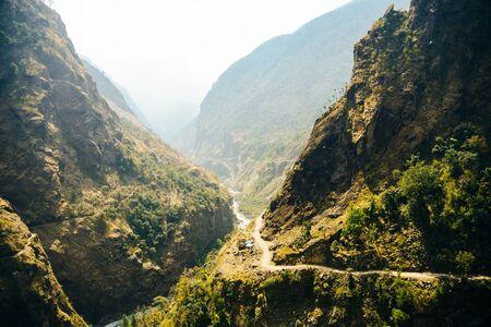 Strada solitaria, annapurnas trekking road, in Himalaya