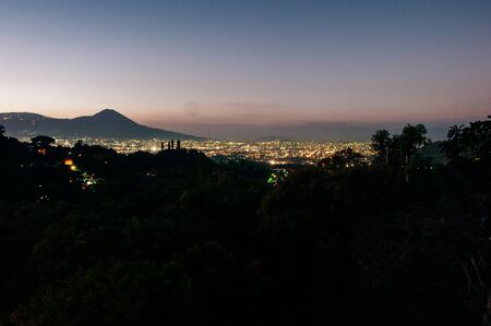 City night from the view point on top of mountain, El Salvador Banco de Imagens