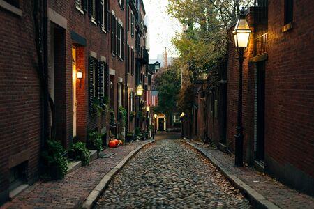 boston, usa - february, 2020 Acorn Street at halloween Time. Reklamní fotografie