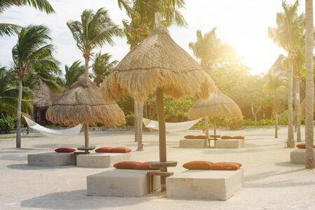 white hammock on the beach. holbox, mexico. Standard-Bild
