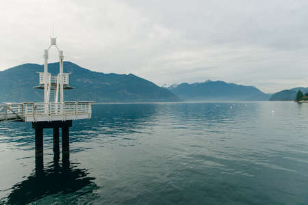 observation deck on the lake. marina Banco de Imagens - 151432112