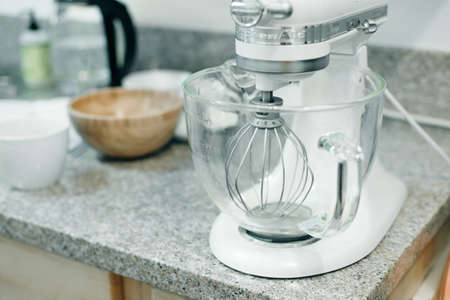 Food processor to kneading dough on the kitchen Banco de Imagens