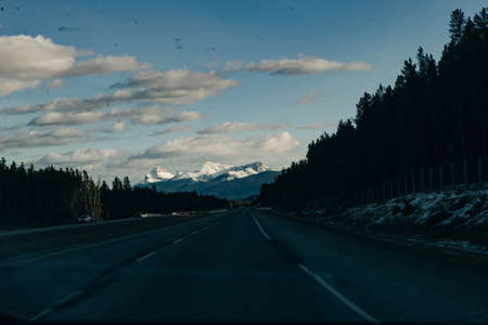View of Mountain Ranges during Road Trip to Banff National Park, Alberta, Canada. arch Banco de Imagens - 151609071