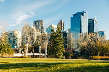 Modern Downtown view taken from near by park. calgary, Canada - october, 2019 Redakční